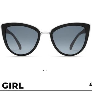 NWOT Quay Australia My Girl sunglasses
